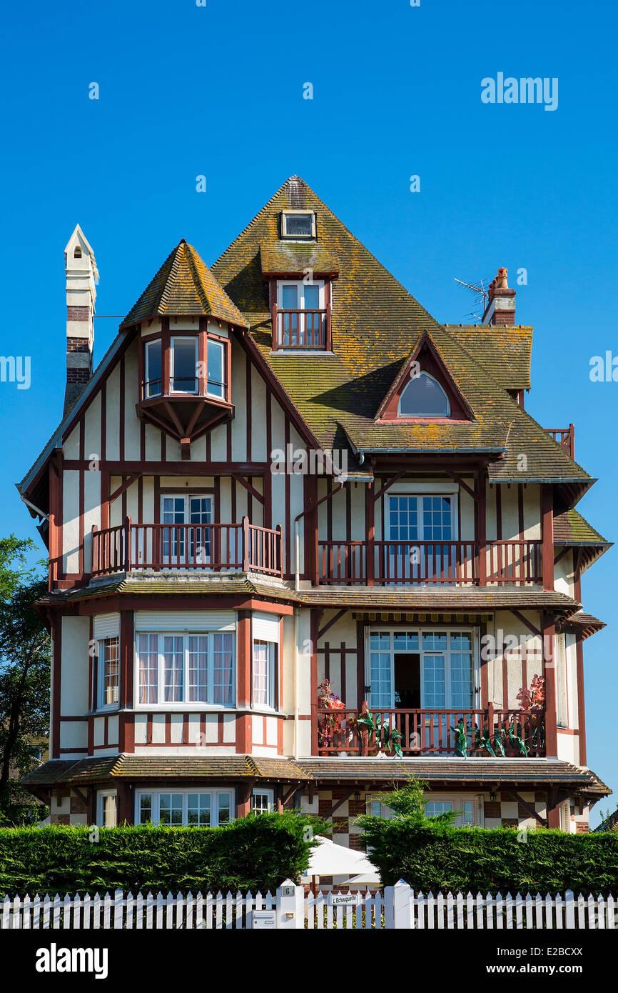 Francia, Calvados, Trouville sur Mer, villa Foto Stock