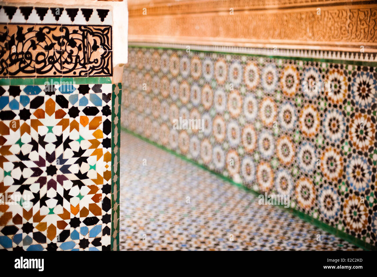 Souq arabo medina marrakech marocco piastrelle fatti a mano