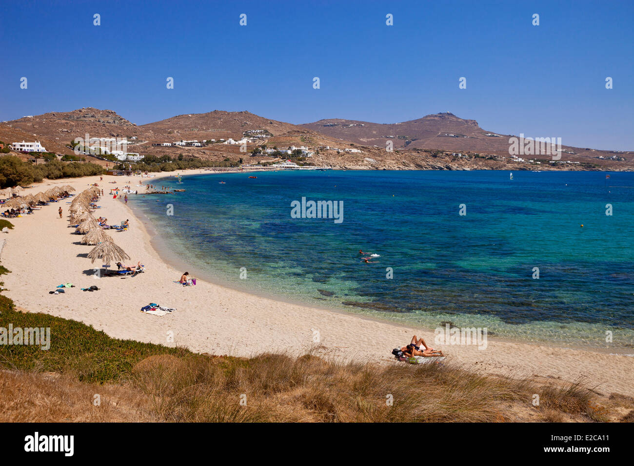 Grecia CICLADI MYKONOS Isola, Spiaggia di Kalafatis Immagini Stock