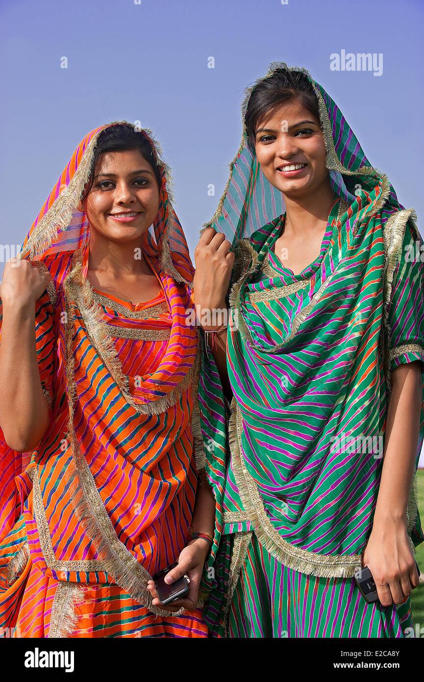 India Rajasthan, Jaipur, donne in sari Immagini Stock