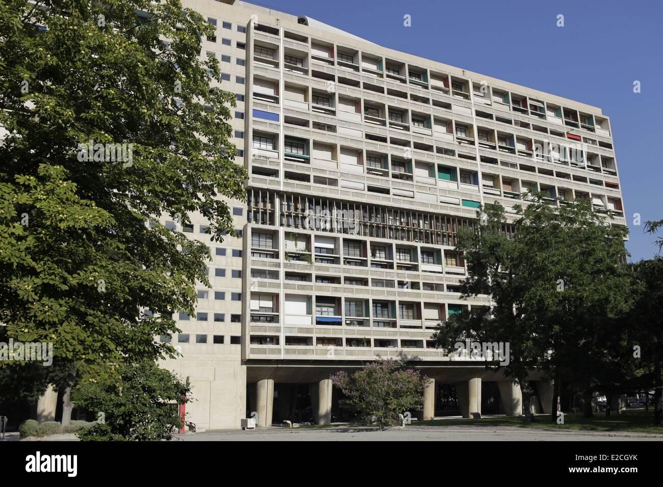Francia, Bouches du Rhone, Marsiglia, radiosa Cite edificio residenziale dall'architetto Le Corbusier Immagini Stock