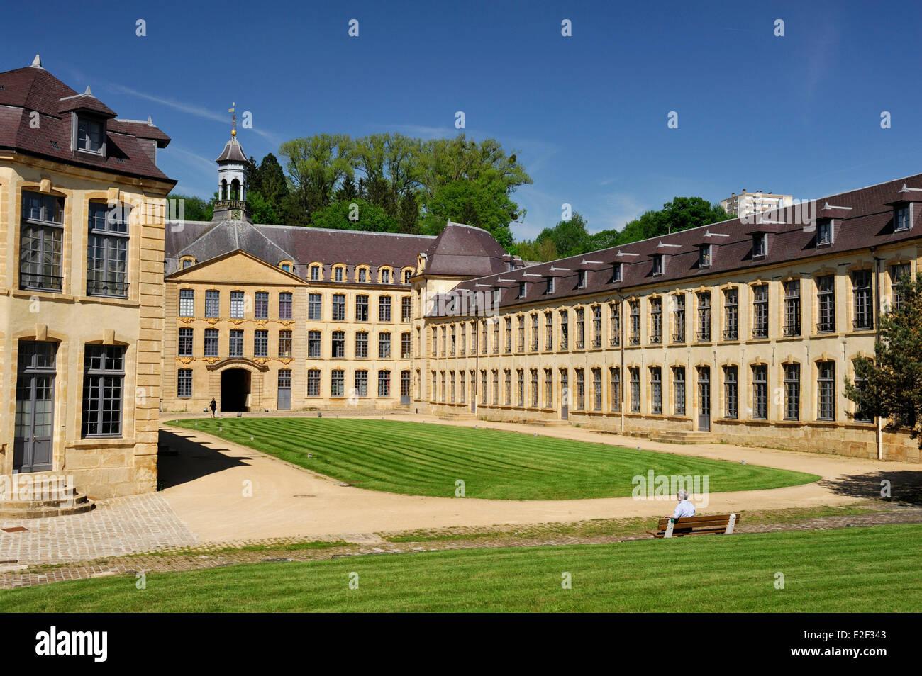Francia, berlina, fabbrica di Dijonval, vecchia manifattura reale di lenzuola riabilitato in appartamenti Immagini Stock