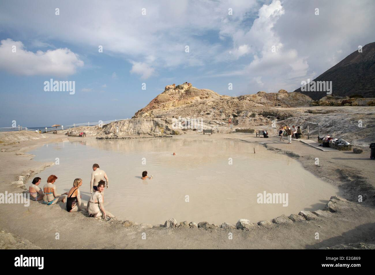 Italia Sicilia Isole Eolie isola di Vulcano bagno di fango Foto ...