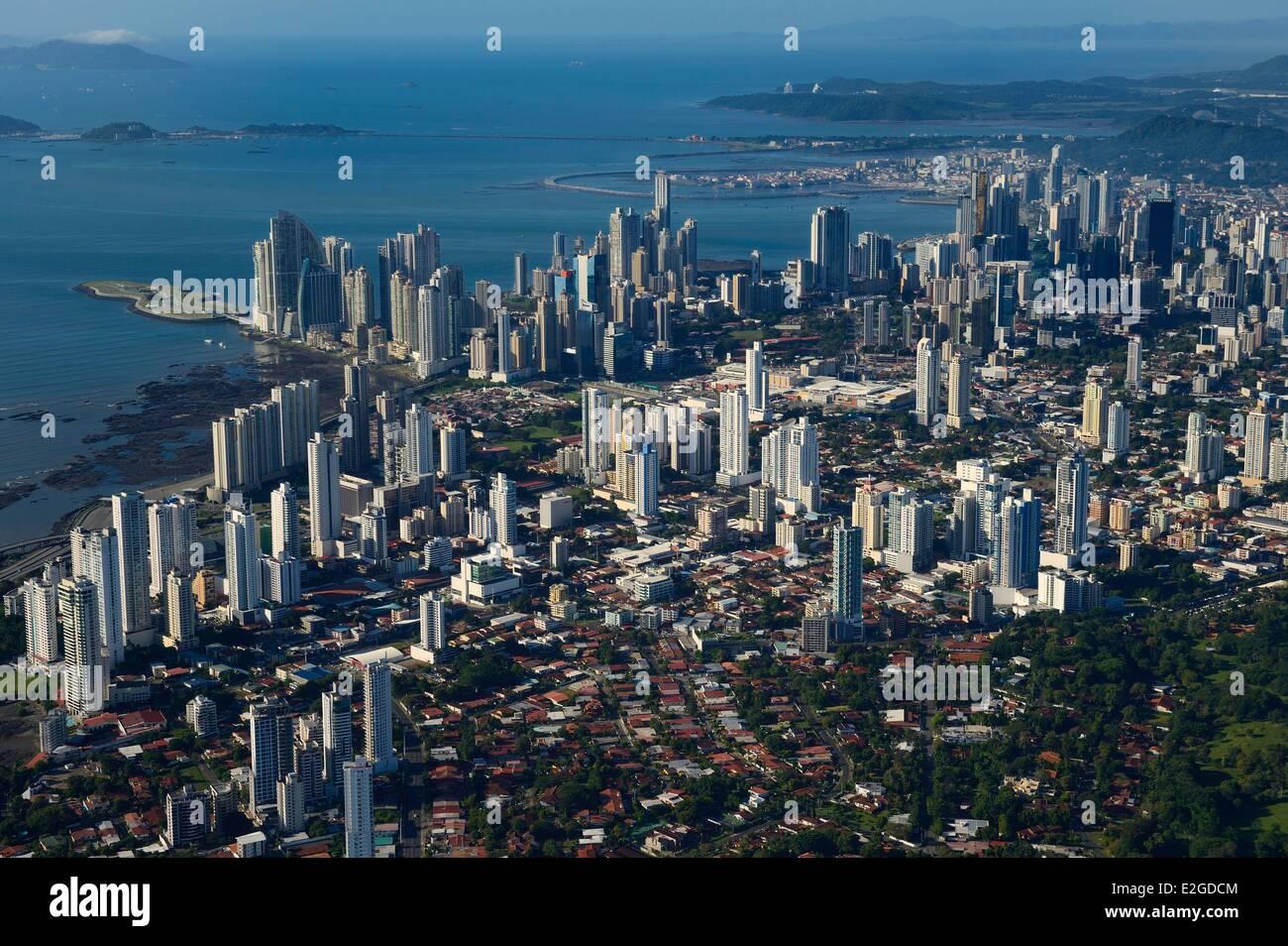 Panama Panama City grattacieli città vecchia Casco Antiguo (Viejo) in background (vista aerea) Immagini Stock