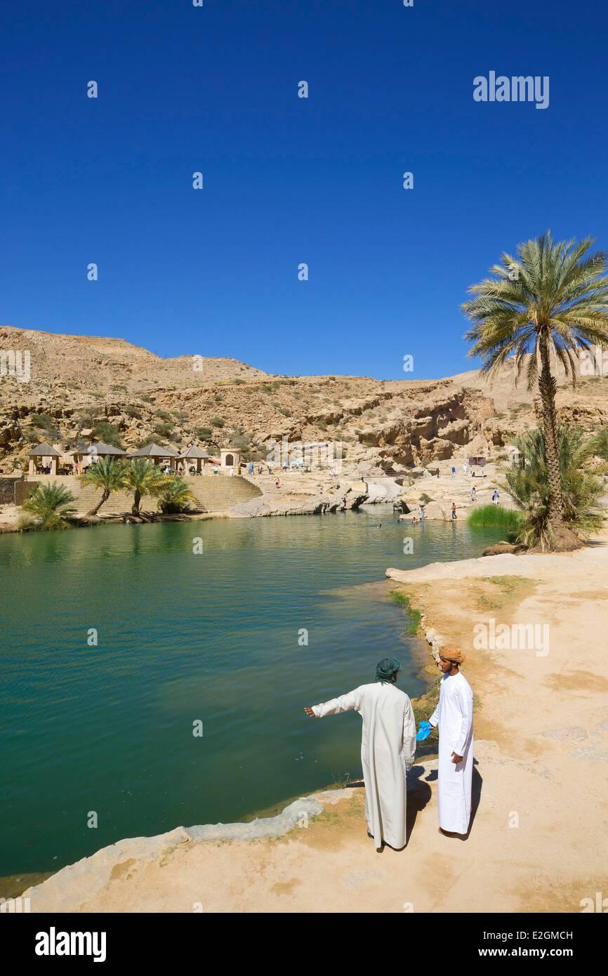 Il sultanato di Oman Ash Sharqiyyah regione Wadi Bani Khalid Immagini Stock