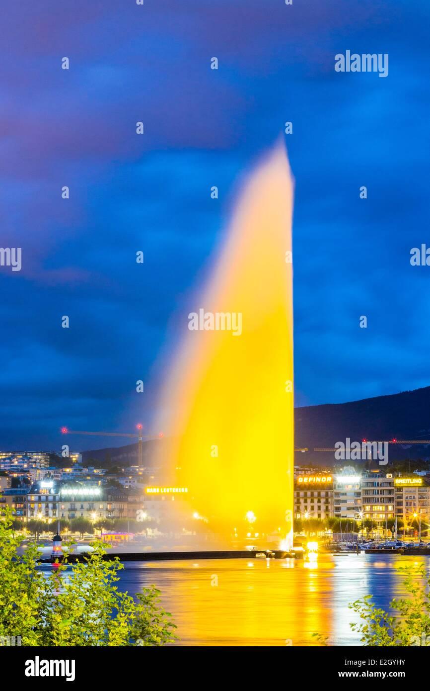La Svizzera Ginevra affacciato sul getto di acqua al di sopra di 140 metri) 1891 Immagini Stock