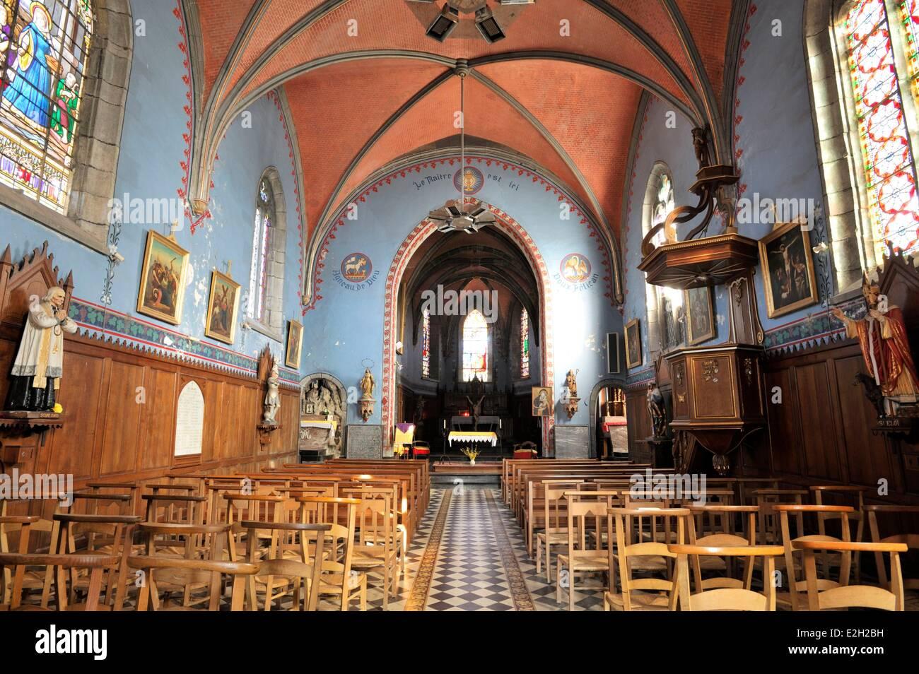 Francia Nord Eppe Sauvage Saint Ursmer chiesa navata centrale e pulpito Immagini Stock
