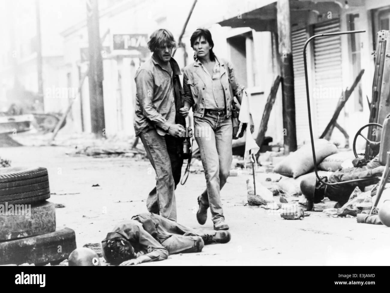 Nick Nolte,JOANNA CASSIDY,sotto il fuoco,1983 Immagini Stock