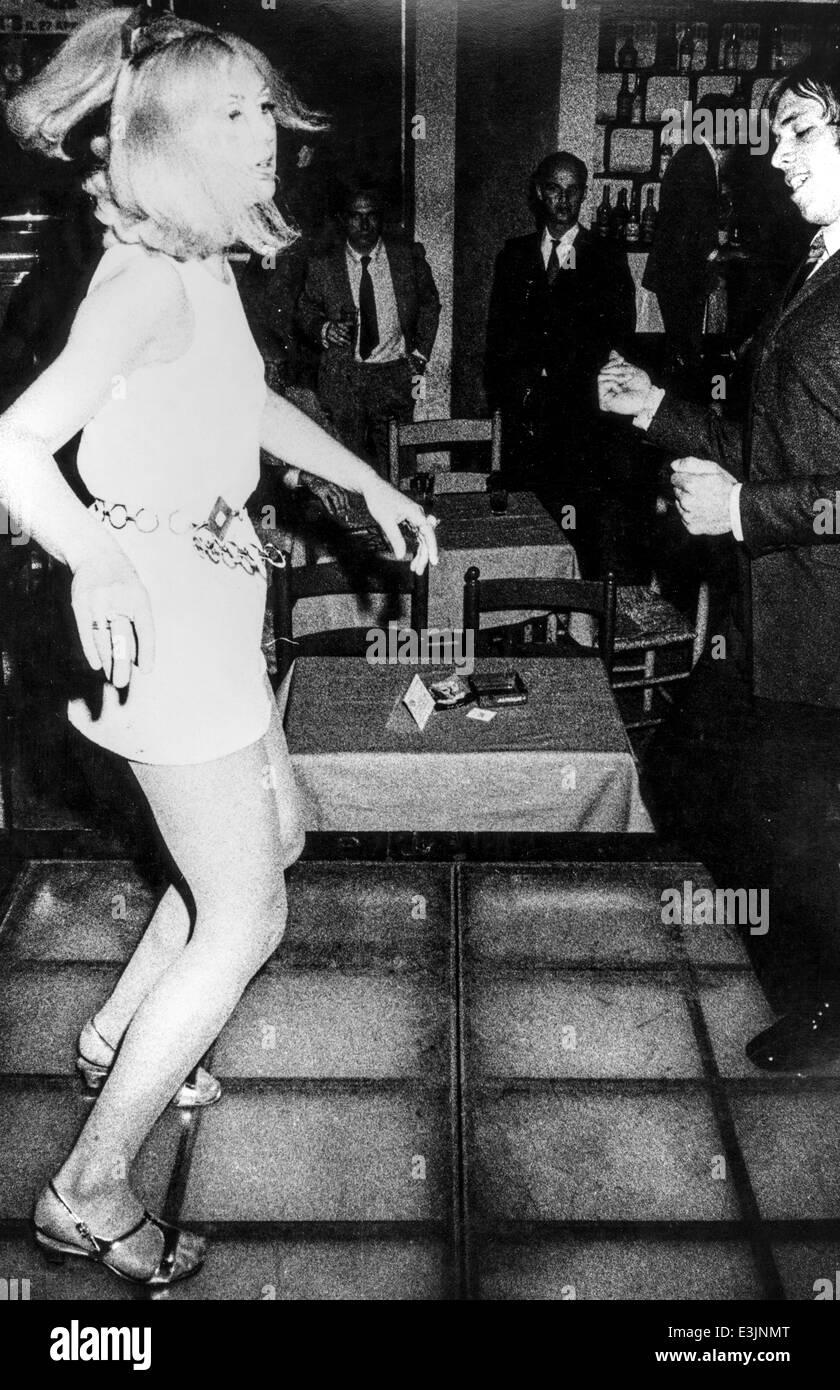 Coppia giovane Ballare in discoteca ,60's Immagini Stock