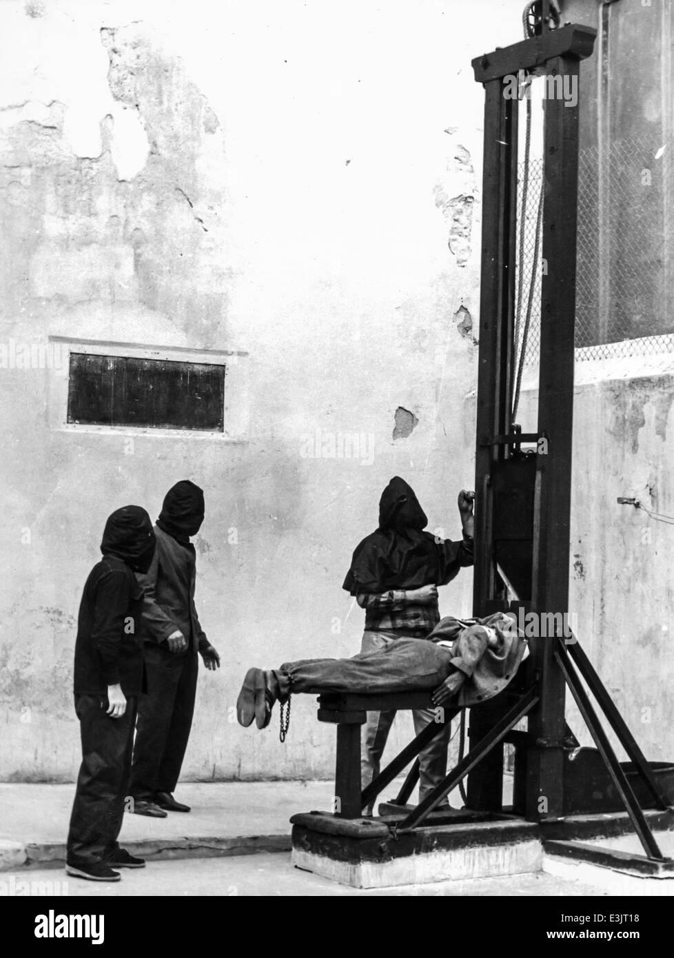 Ghigliottina l'esecuzione di un condannato a morte Immagini Stock