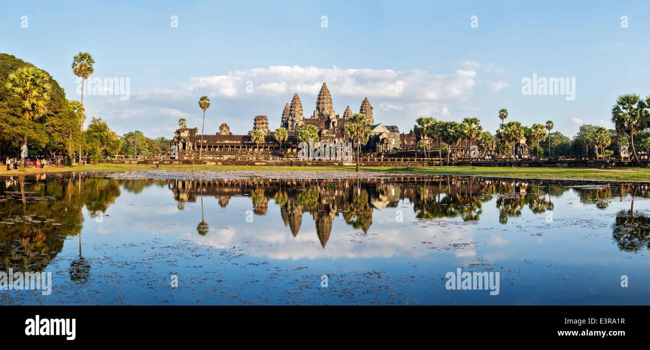 Panorama della famosa pietra miliare della Cambogia Angkor Wat Immagini Stock