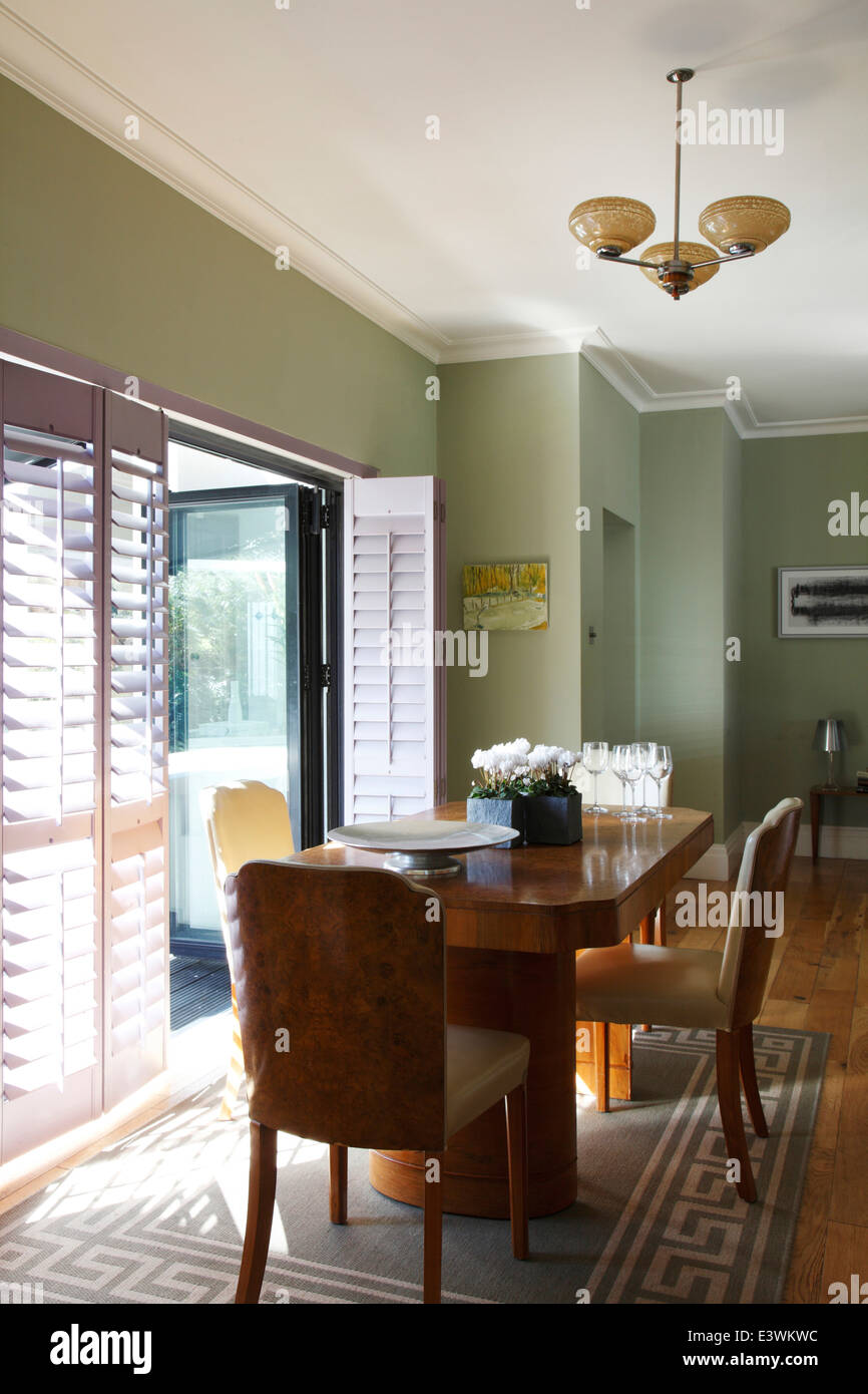Tavolo Pranzo Art Deco sala da pranzo con art deco noce di bava di tavolo e sedie