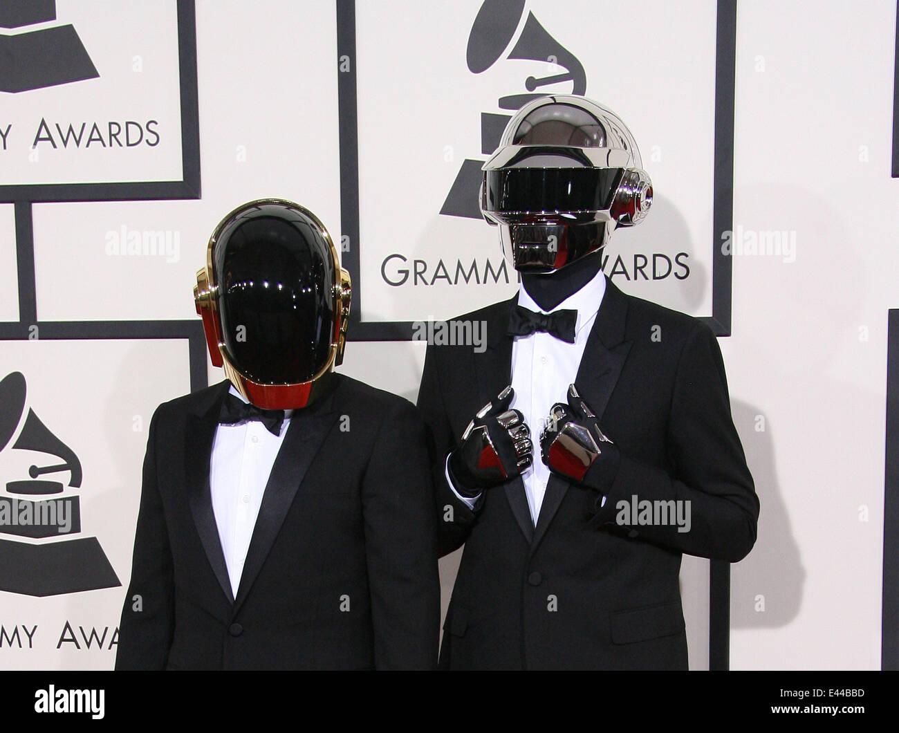 La 56th Annual Grammy Awards (2014) presso lo Staples Center di Los Angeles, CA. 26-1-2014 dotate: Daft Punk dove: Immagini Stock