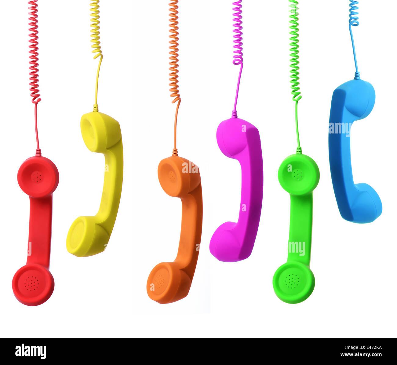 Una gamma di colori concept phone del collegamento a diversi contatti Immagini Stock