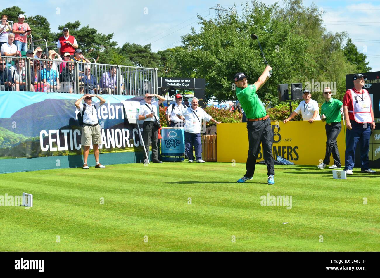 Campo da golf. La celebrità Cup.Celtic Manor Resort in Galles. Brian Mc Fadden visto rinvio off. Robert Timoney/AlamyLivenews. Immagini Stock