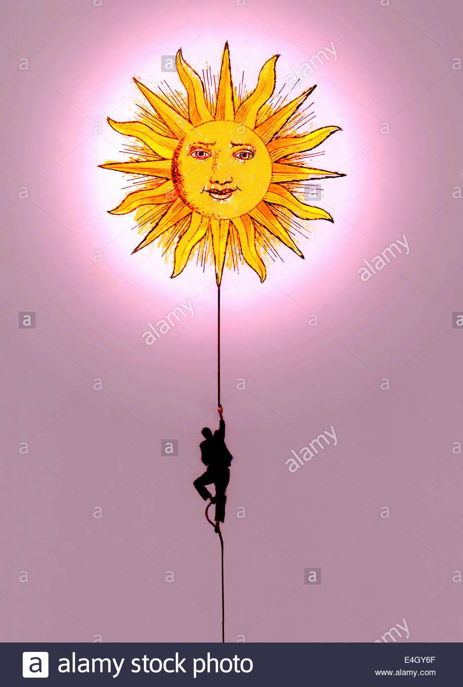 Imprenditore corda di arrampicata nei confronti di Sun Immagini Stock