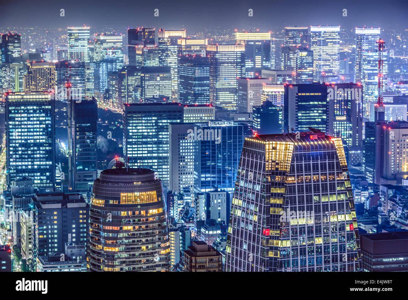 Tokyo, Giappone dense dello skyline della citta'. Immagini Stock