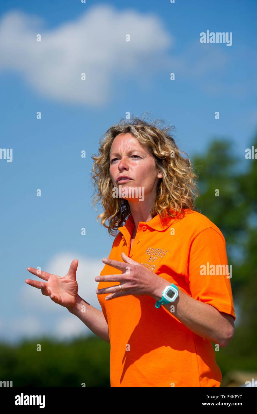 BBC la fauna selvatica e la scienza il presentatore TV Kate umile. Immagini Stock