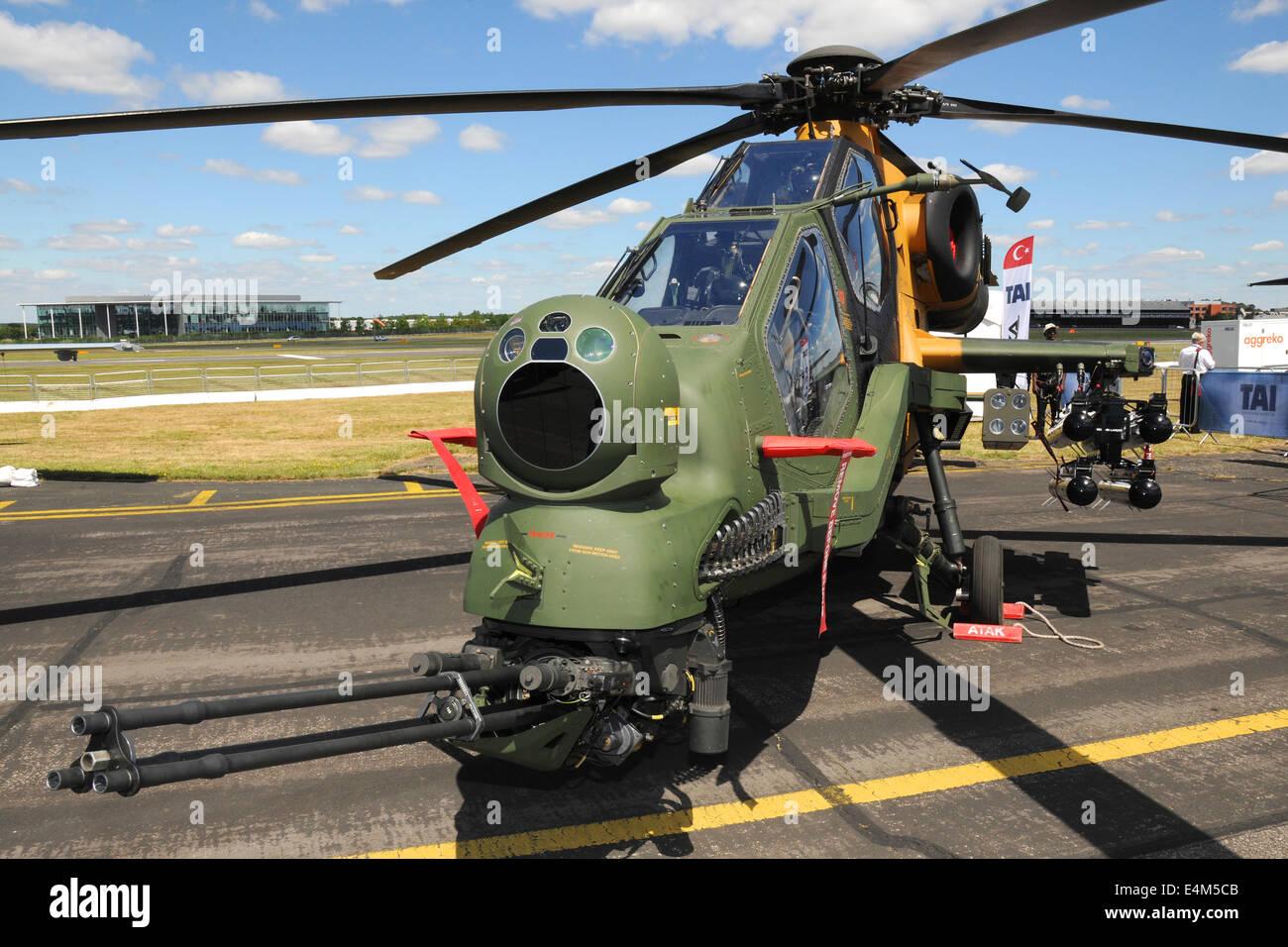 Elicottero T 129 : Farnborough regno unito. 14 luglio 2014. un tai agustawestland