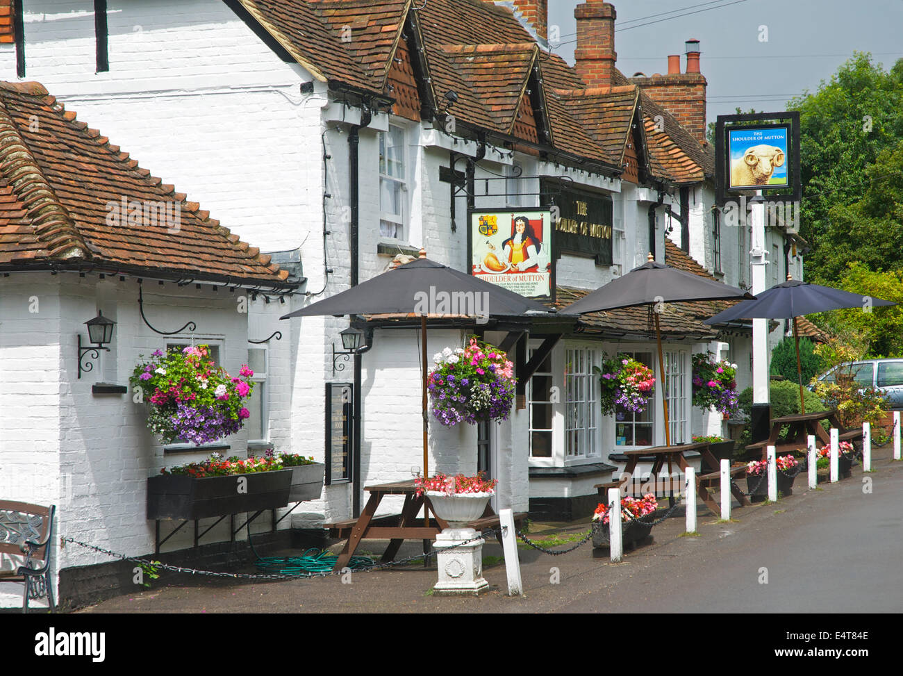 Pub, la spalla di montone, a Hazeley Heath, vicino Hartley Wintney, Hampshire, Inghilterra, Regno Unito Immagini Stock