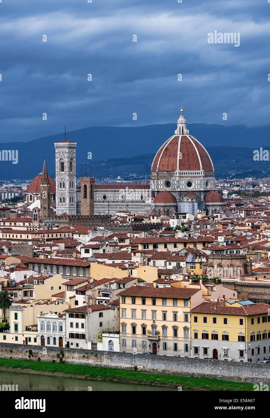 Vista della città e del Duomo di architettura, Firenze, Italia Immagini Stock