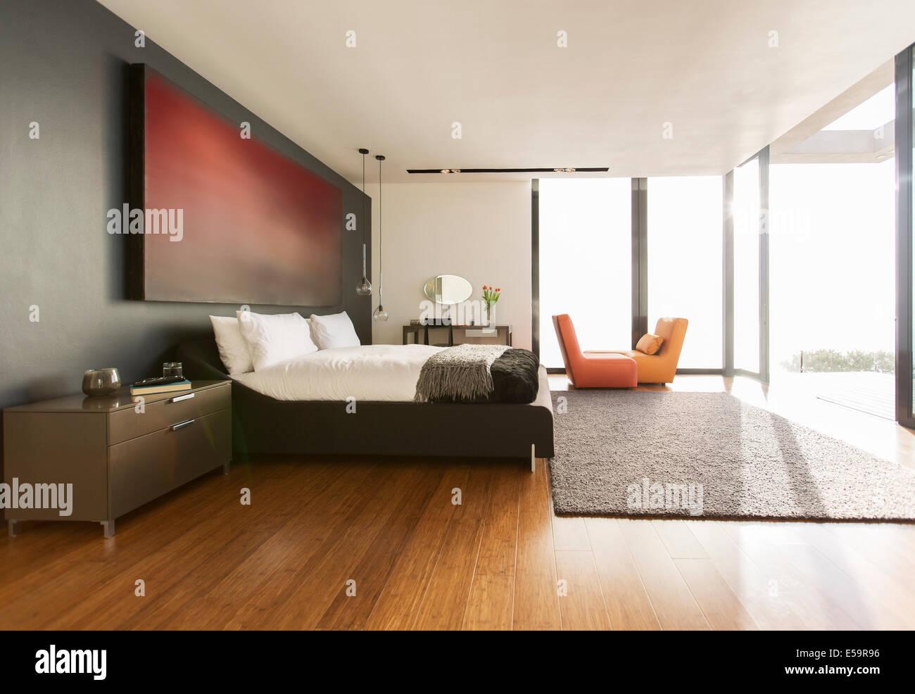 Tappeto e pittura in camera da letto moderna Foto & Immagine Stock ...