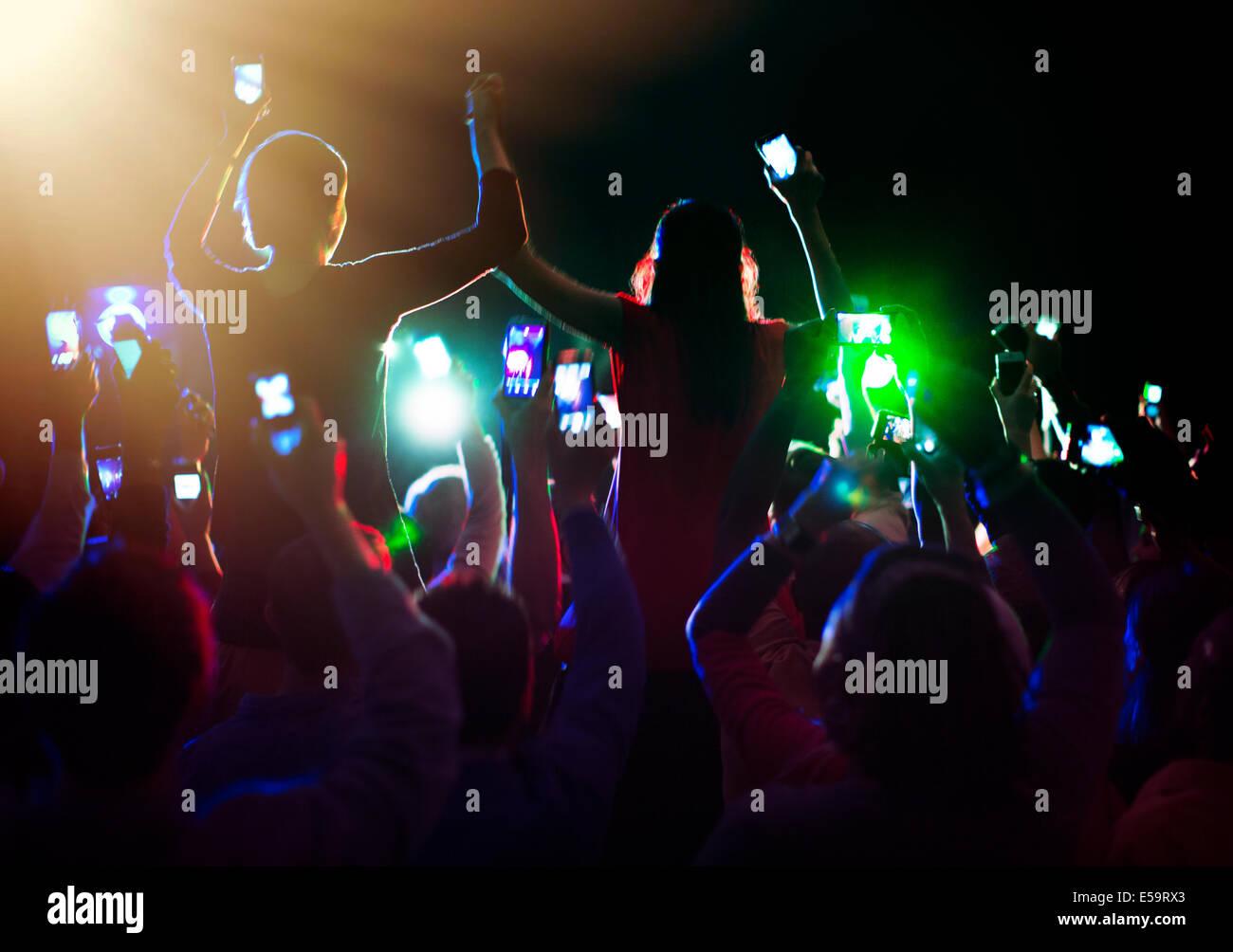 Pubblico godendo di concerto Immagini Stock