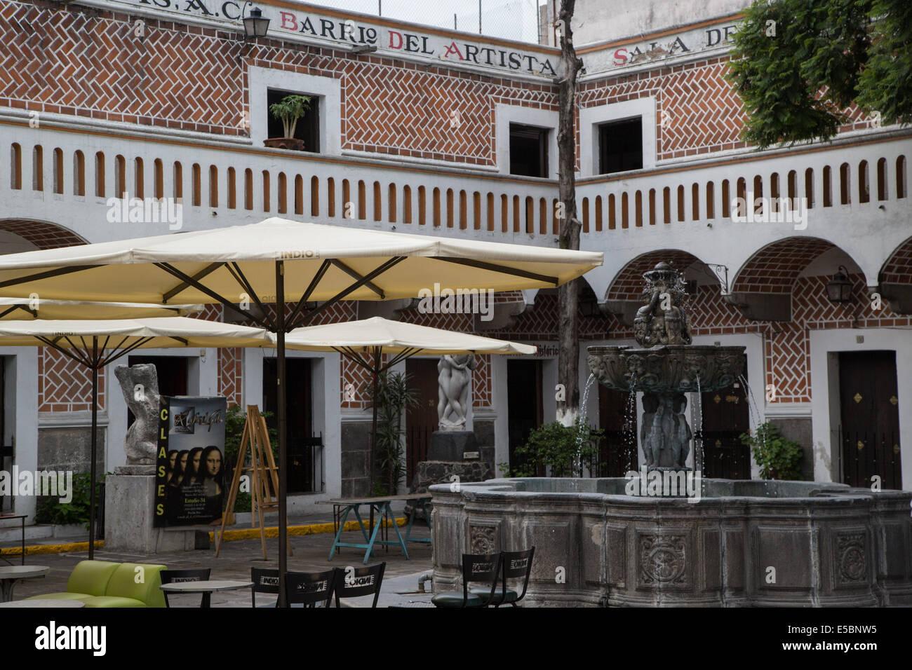 Barrio del artista, un artigiano shopping street, dove ci sono molti pittori e craft studios si trovano a Puebla, Immagini Stock