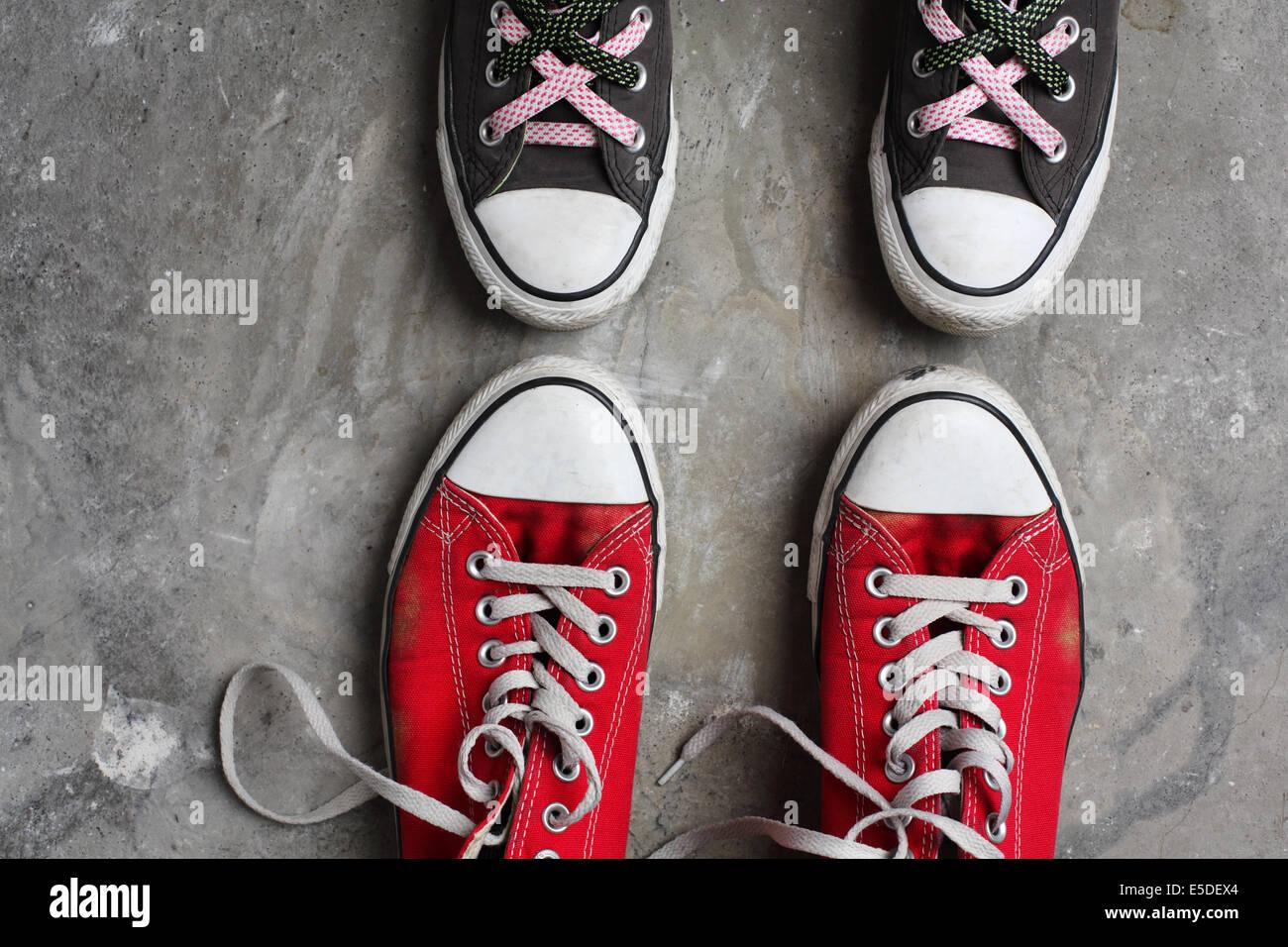 Converse Scarpe Immagini   Converse Scarpe Fotos Stock - Alamy 873e3d4078b
