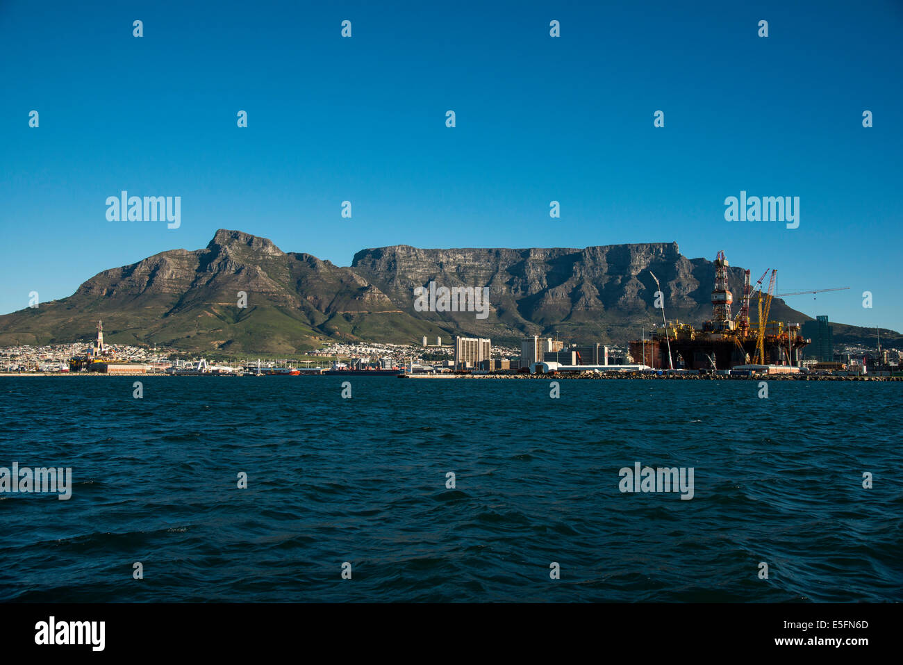 Table Mountain con Città del Capo, Western Cape, Sud Africa Immagini Stock