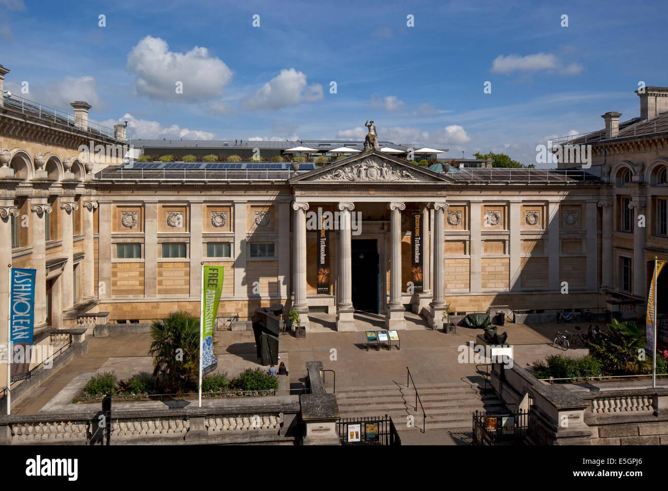 Facciata principale e ingresso al museo Ashmolean Museum di Oxford Inghilterra Foto Stock