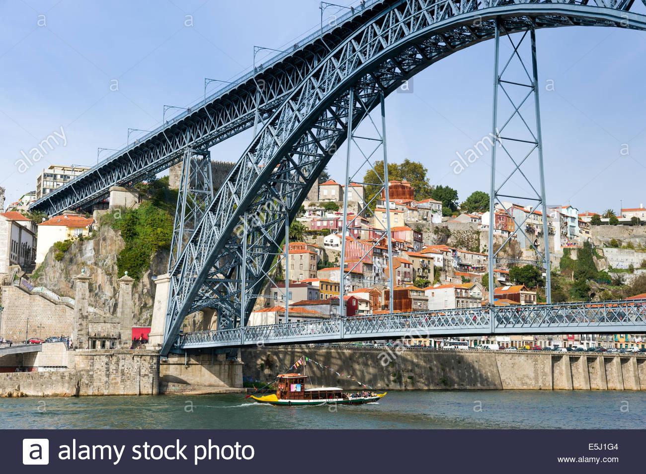 Dom Luis I ponte sul fiume Douro, Porto, Portogallo Immagini Stock