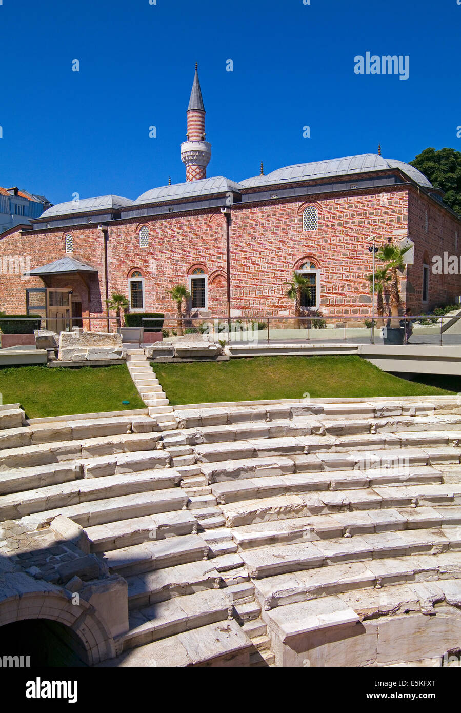 Uli Moschea Dzhumaya, principale Moschea del Venerdì e resti del teatro greco in Plovdiv, Bulgaria Immagini Stock