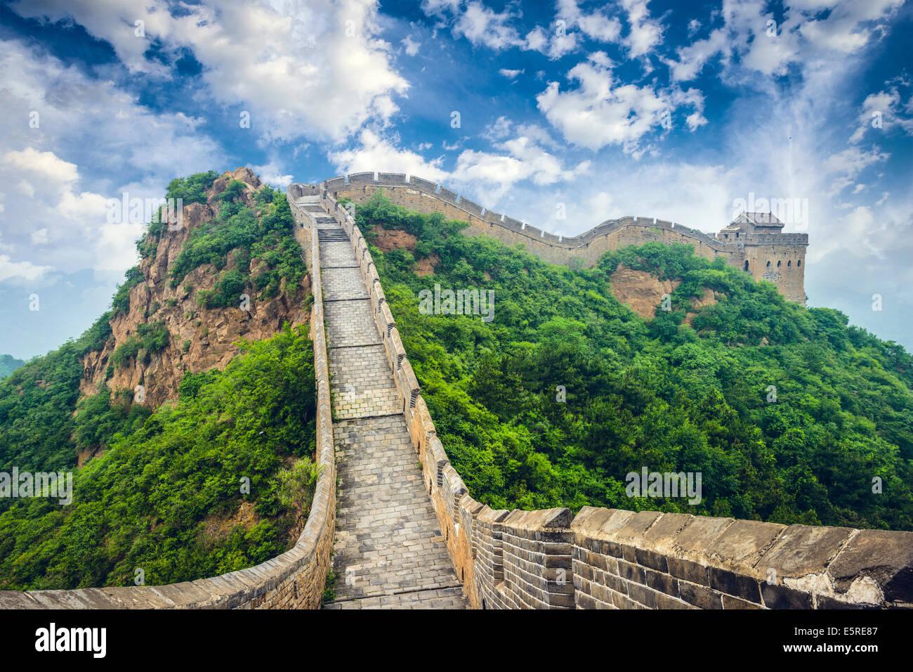 La Grande Muraglia della Cina. Le sezioni non ripristinati a Jinshanling. Immagini Stock