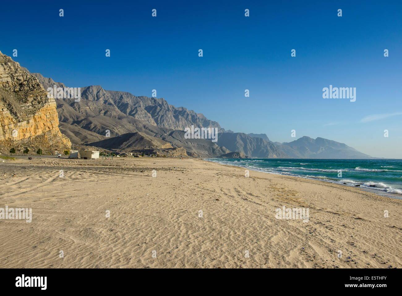 Bellissima spiaggia in Al Jirri, Musandam, Oman, Medio Oriente Immagini Stock