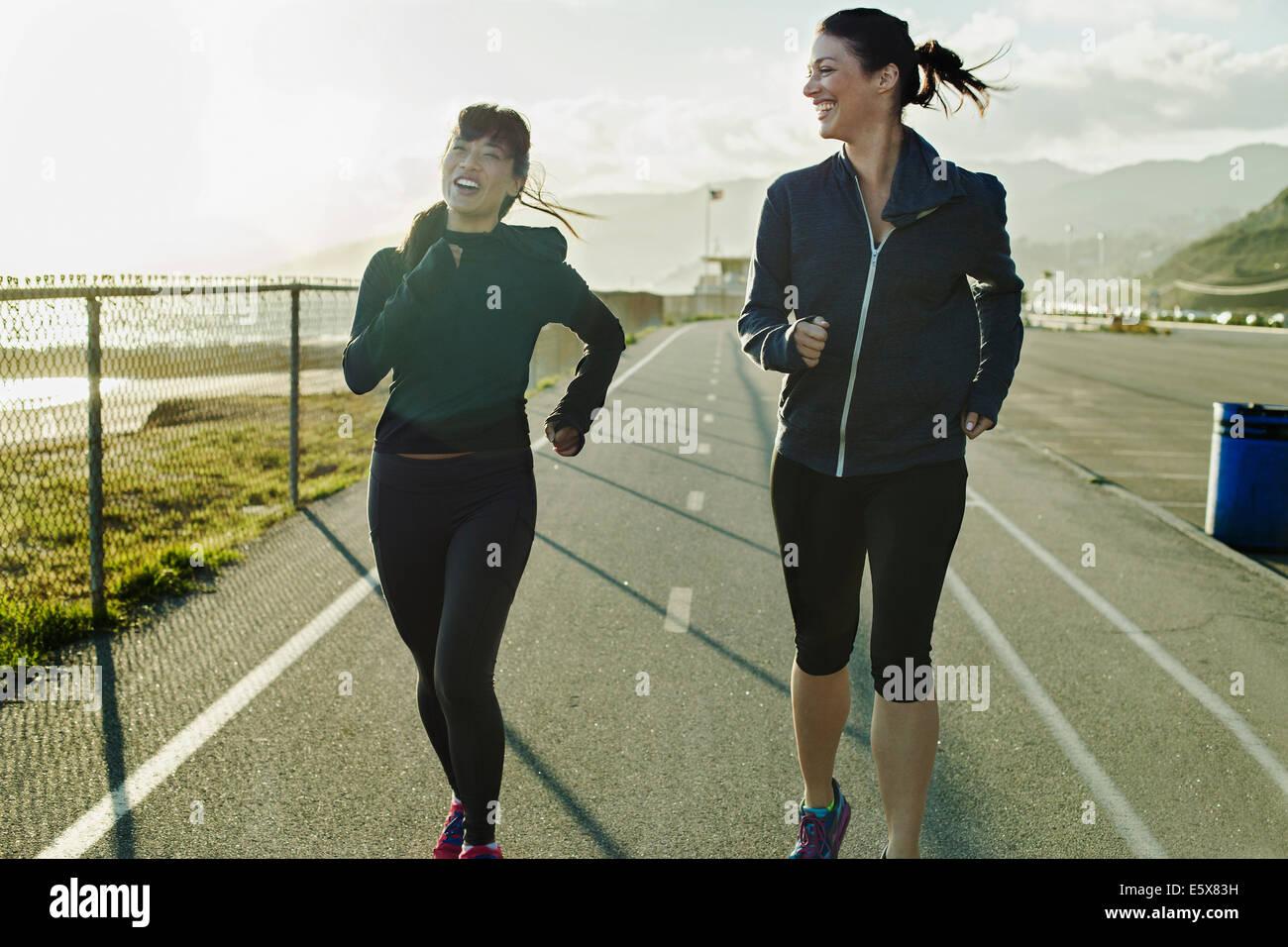 Per chi ama fare jogging in esecuzione su strada Immagini Stock