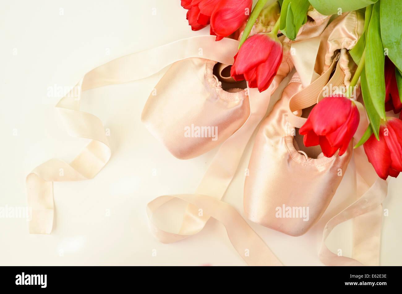 Dance Of Flowers Immagini   Dance Of Flowers Fotos Stock - Alamy a7f81b80e6b5