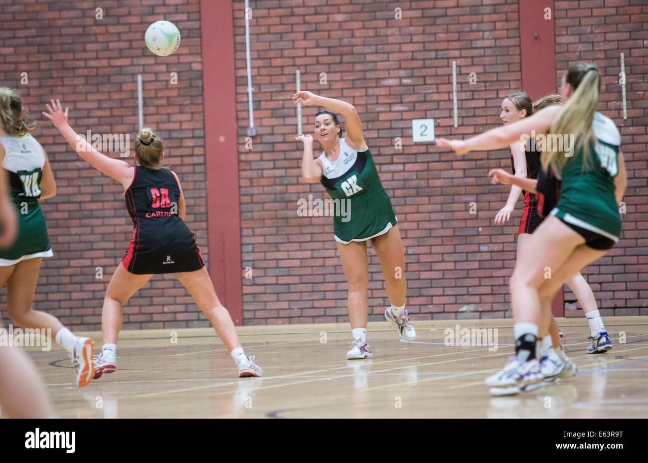 Università di Swansea v Università di Cardiff gamma 2014 Netball Immagini Stock