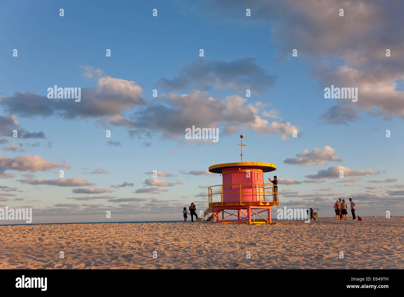 Lifeguard hut, South Beach, Miami, Florida, Stati Uniti d'America Immagini Stock