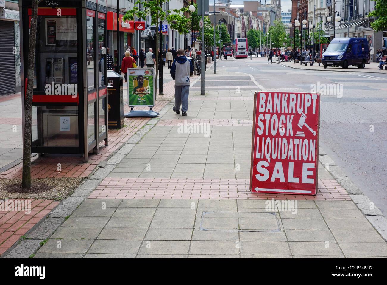 Fallimento Liquidazione stock vendita al di fuori del negozio, Royal Avenue, Belfast Immagini Stock