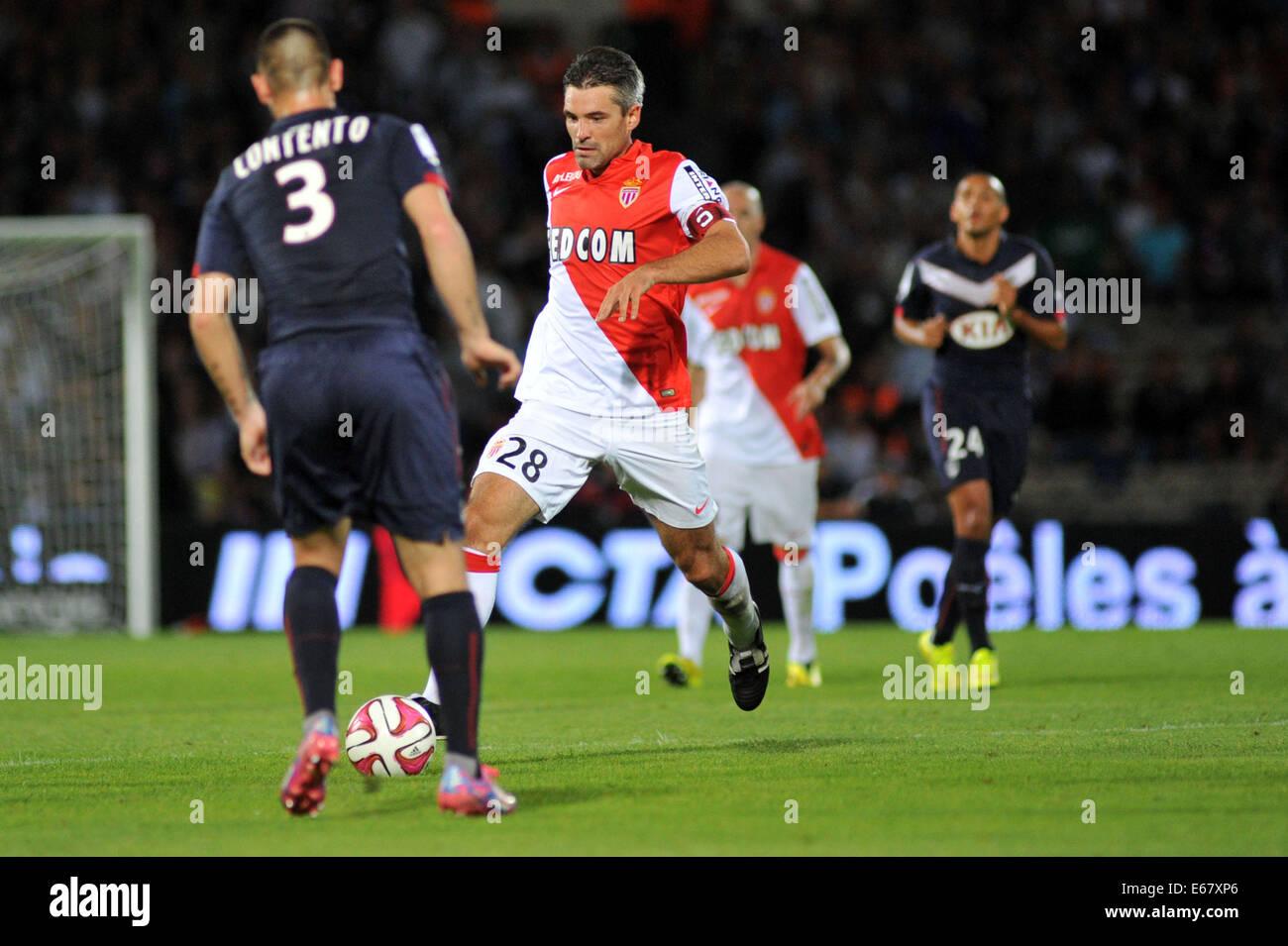 Bordeaux, Francia. 17 Ago, 2014. French League calcio 1. Bordeaux rispetto a Monaco. JEREMY TOULALAN prende il contento Immagini Stock