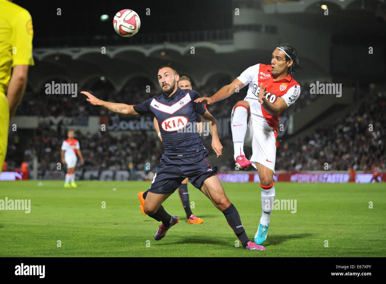 Bordeaux, Francia. 17 Ago, 2014. French League calcio 1. Bordeaux rispetto a Monaco. DIEGO CONTENTO vince la sfida Immagini Stock