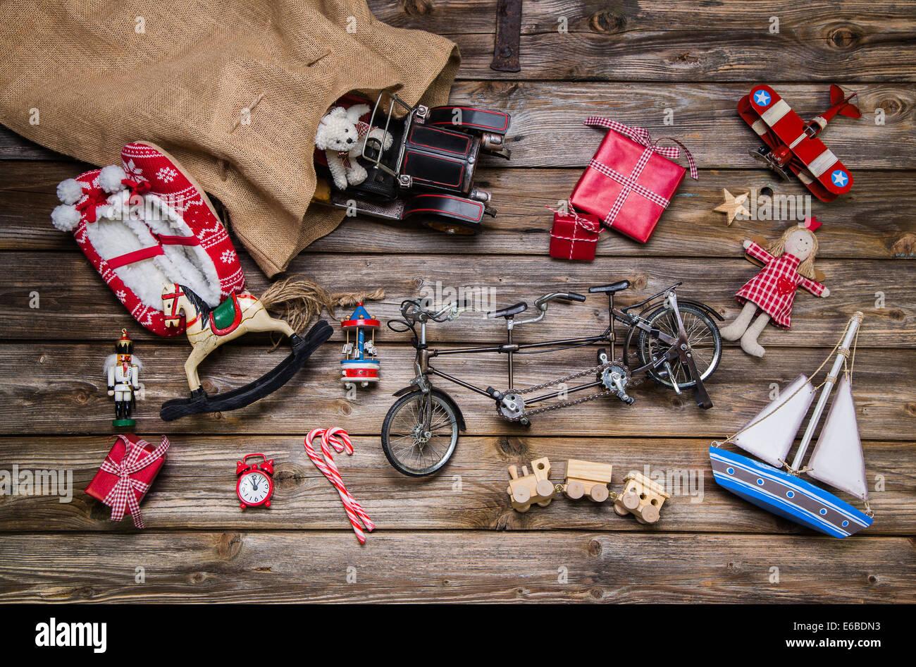 Decorazioni In Legno Per Bambini : In legno antico e giocattoli per bambini natale decorazione in