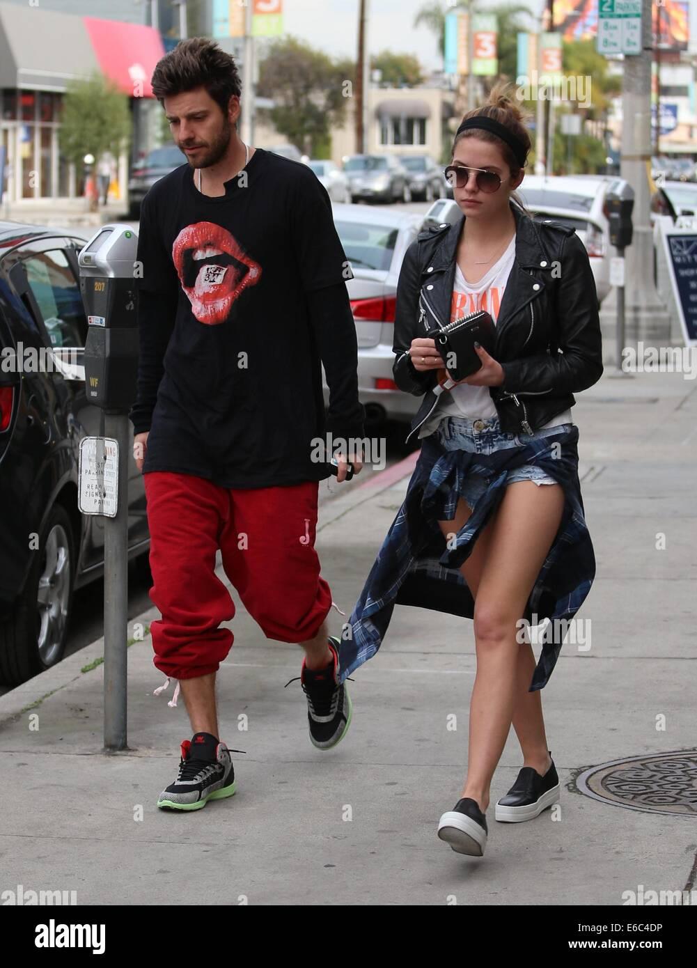 Chi è Ashley Benson dating maggio 2013