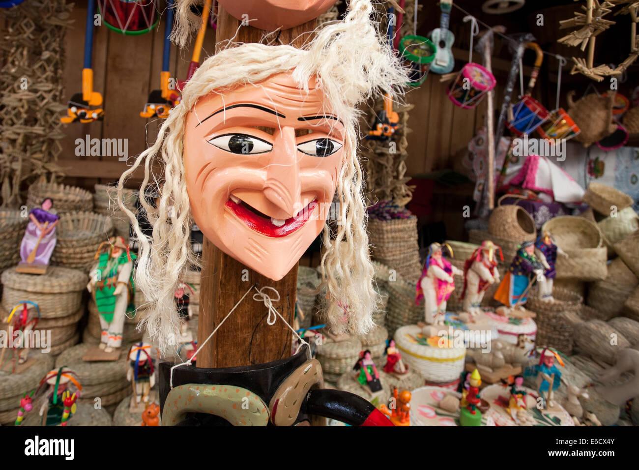 Bit di un brutto giorno per capelli per una maschera che viene utilizzata nel famoso old man's dance in un mercato Immagini Stock