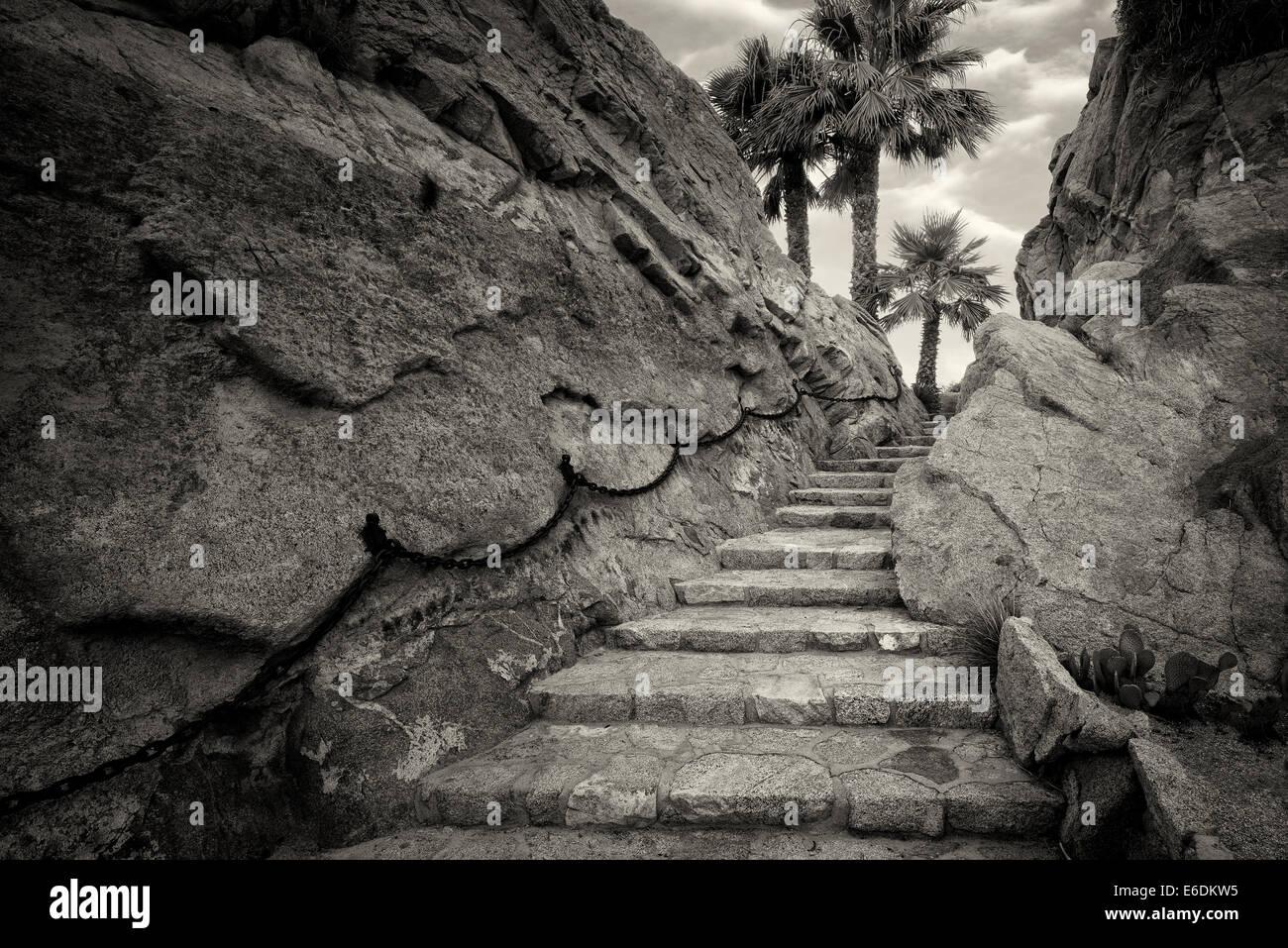 Fase di pietra il percorso al Silver Rock Golf Resort. La Quinta, California Immagini Stock