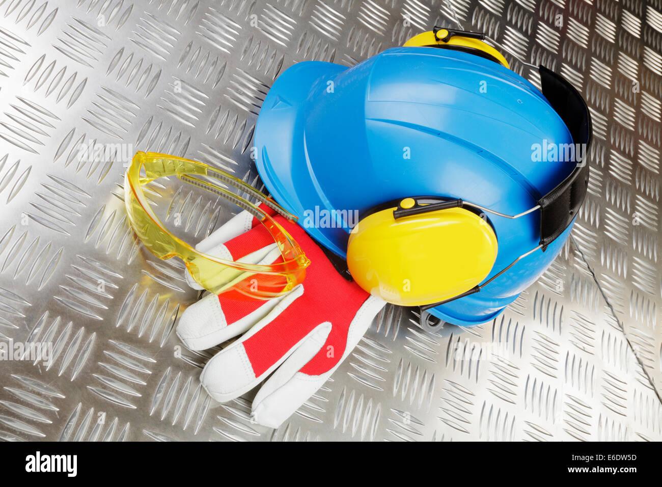 Hard-hat e industriali Indumenti di protezione Immagini Stock