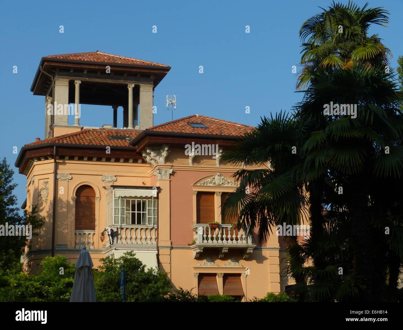 Classic villa in stile Liberty sulle vacanze isola di Lido - Laguna di Venezia Immagini Stock