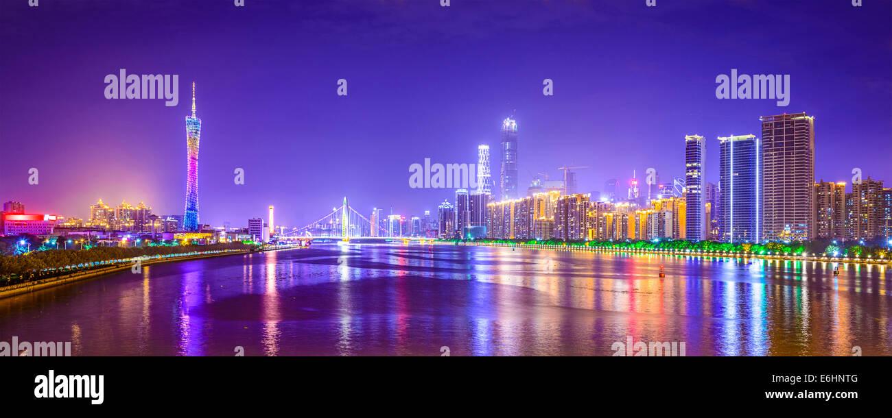Guangzhou - Cina skyline della città panorama sul fiume Pearl. Immagini Stock
