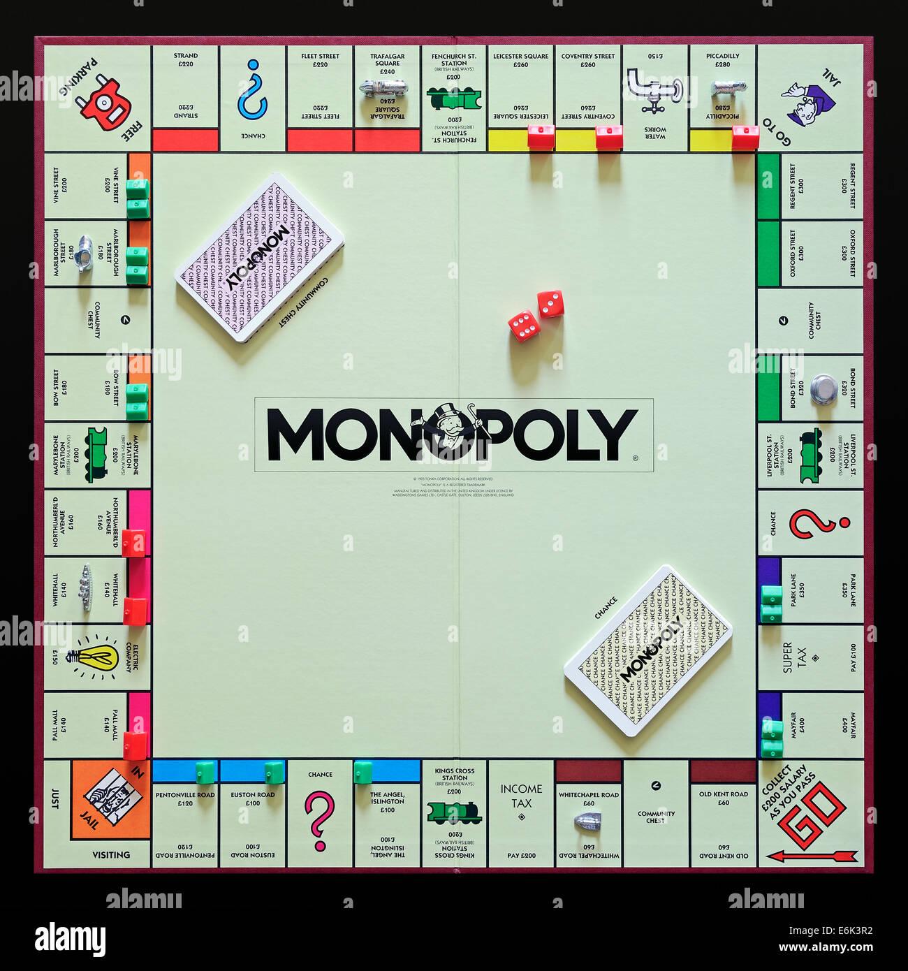 In regime di monopolio, l'originale versione britannica del popolare albergo trading gioco di bordo. Foto Stock
